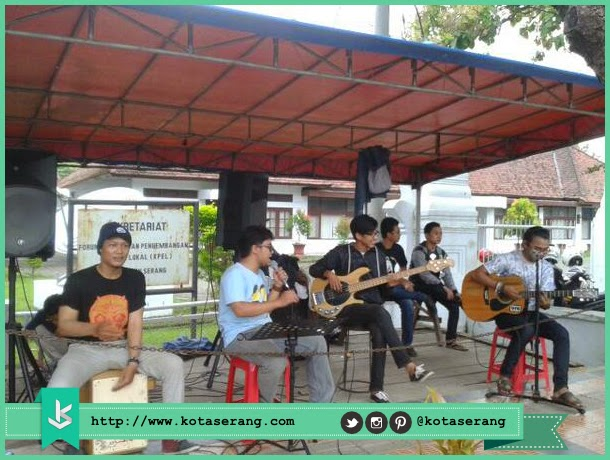 Live Music Perform By @Stayup_ina & AwraBandID