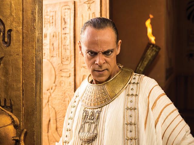 Alexander Siddig es Amun