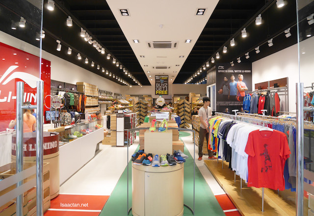 Get all your sports attire and shoes here at Li-Ning