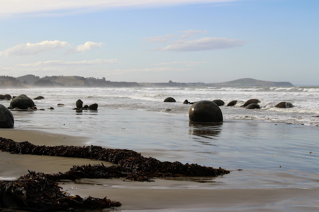 Moeraki boulders, south of Oamaru
