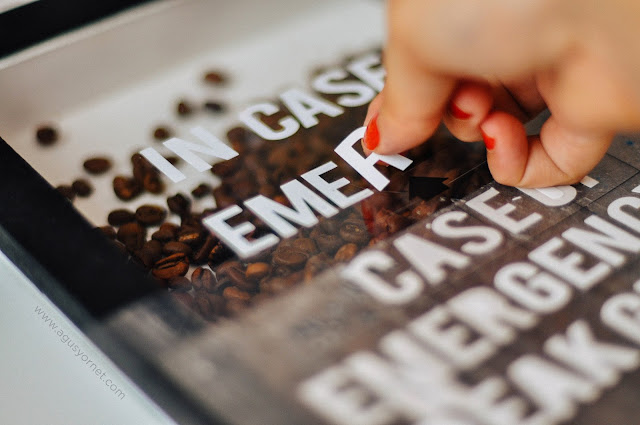 A coffee beans frame DIY tutorial, perfect for home decor or a gift for coffee lovers.