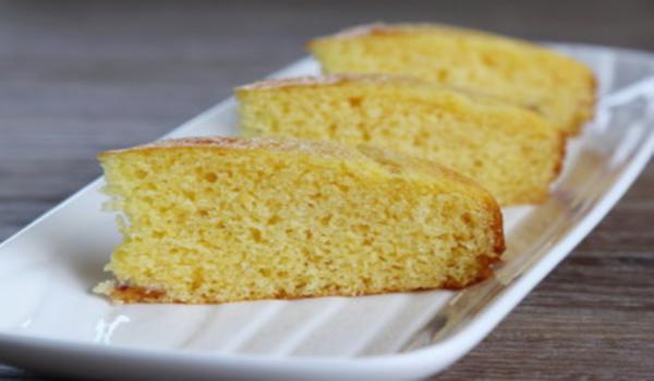 Torta de harina de maiz y harina de trigo