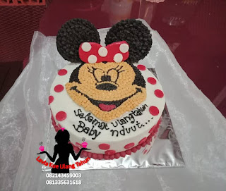 Kue Tart Butter Cream Bentuk Minnie Mouse