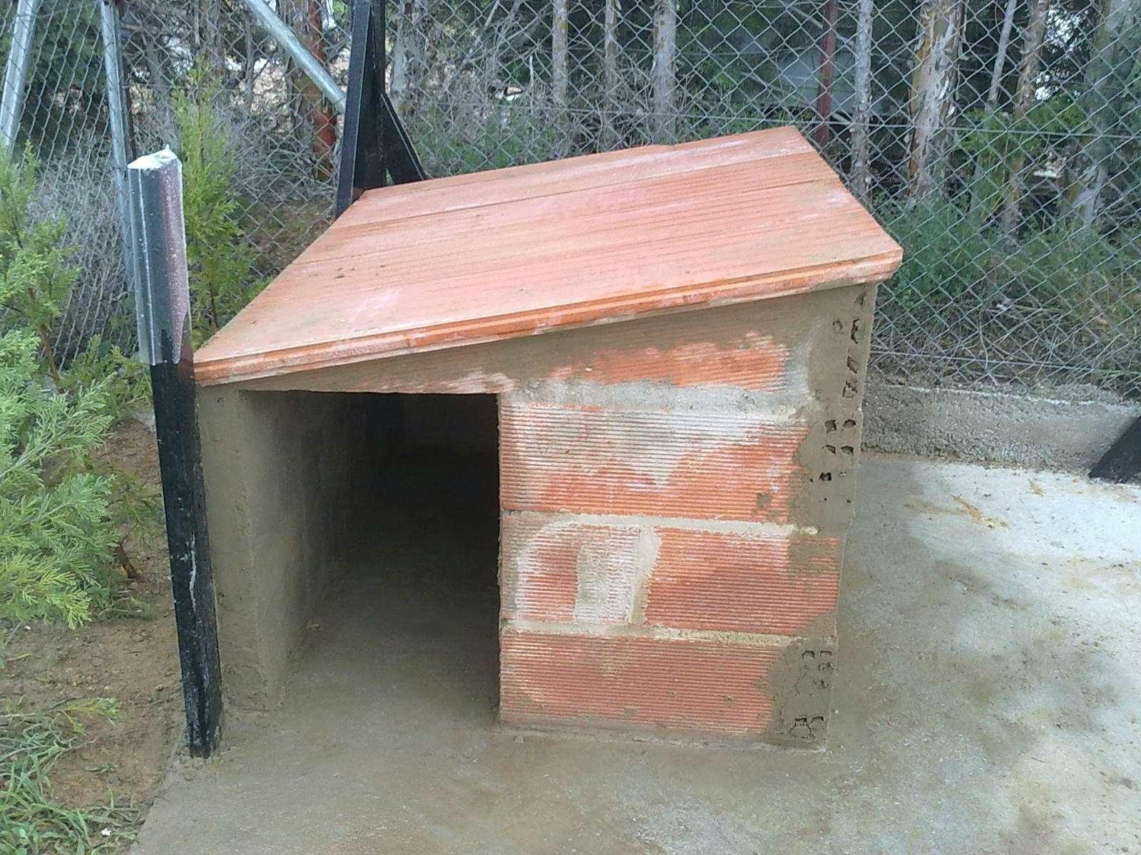 El blog de la elena un blog dulce divertido y entretenido como construir una perrera - Como hacer una caseta de obra ...