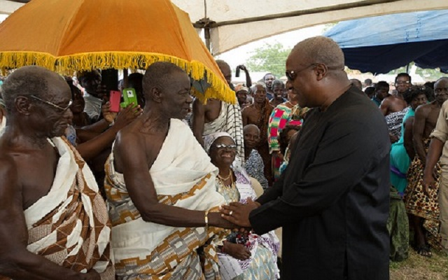 kwahu Youth striked Chief of Kwahuman For Endorsed Mahama