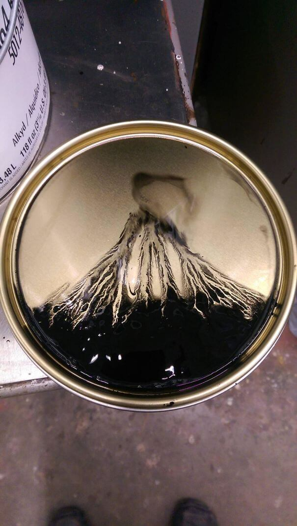 20 Pictures Prove That 'Accidental' Art Can Be Astonishing - Volcanic Explosion On A Lid