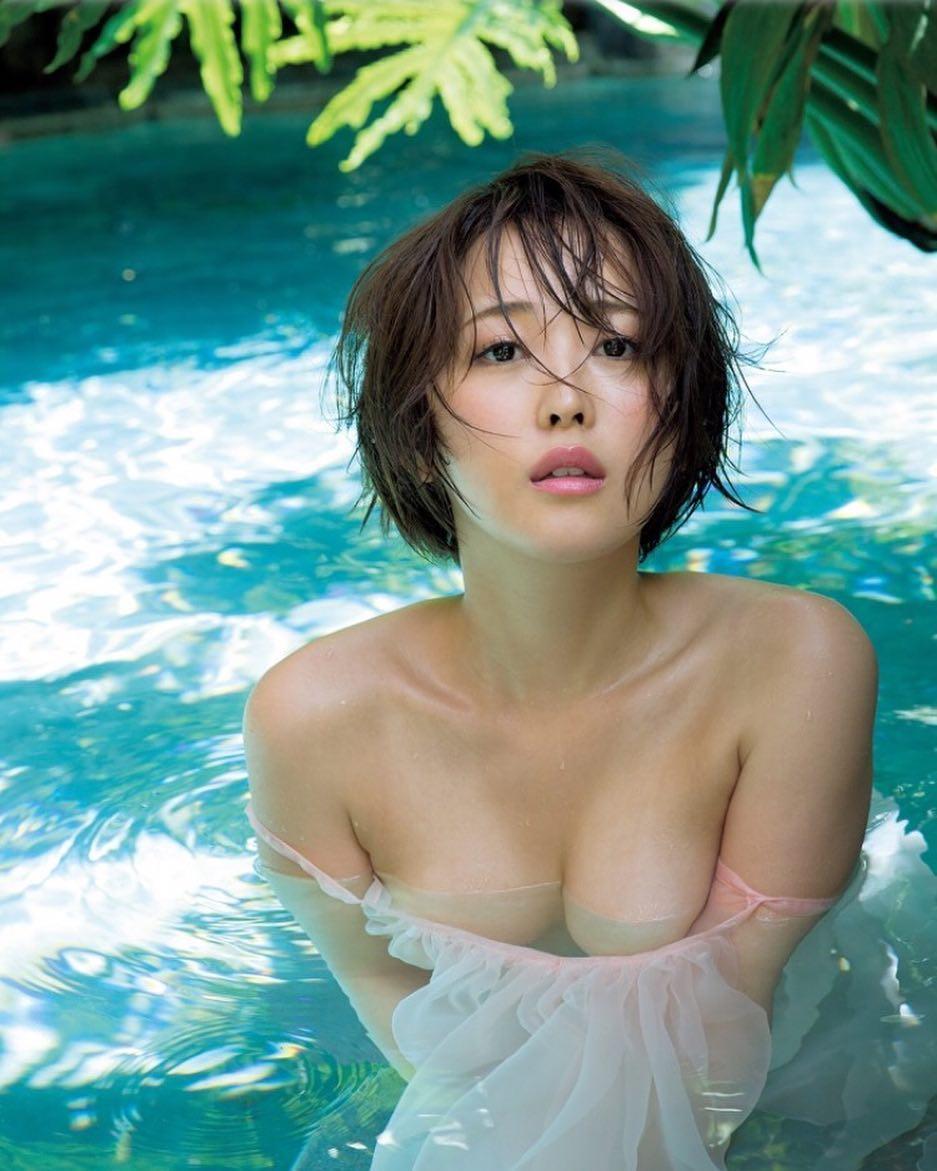 Oshino Sara Sexiest