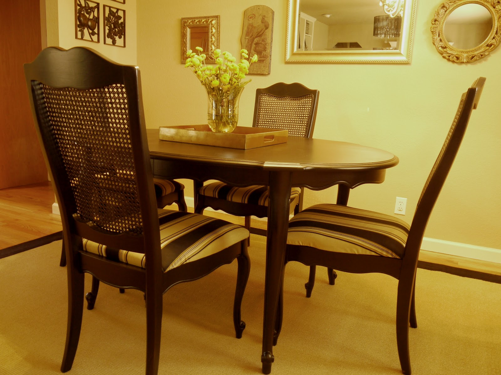 dining table painting a dining table black. Black Bedroom Furniture Sets. Home Design Ideas