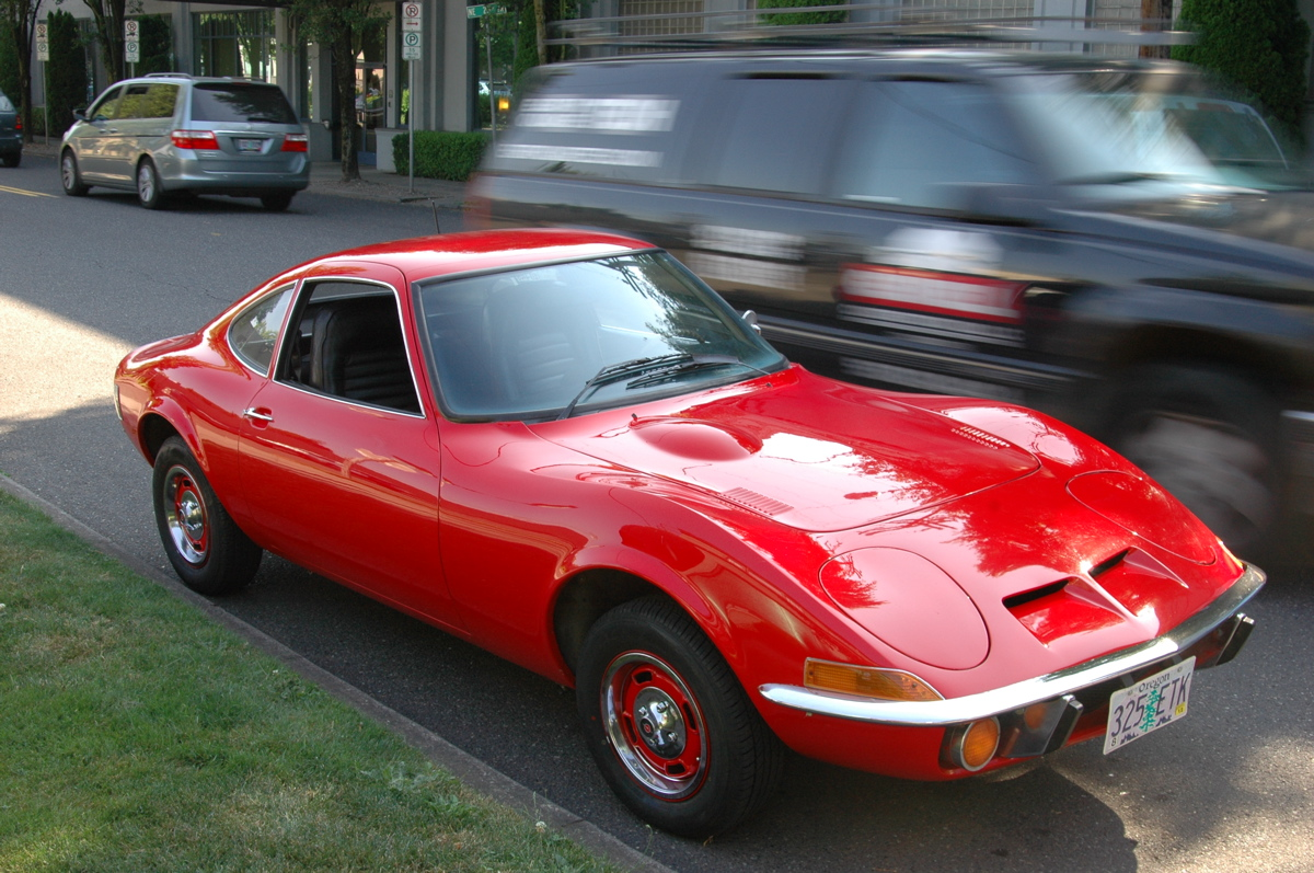 old parked cars 1970 opel gt. Black Bedroom Furniture Sets. Home Design Ideas