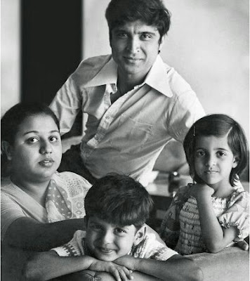 This is easy- Javed Akhtar, Honey Irani with kids Farhaan and Joya.