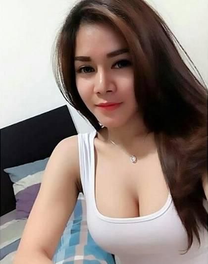Nikmatnya Sedotan Vagina Penjual Nasi Kuning
