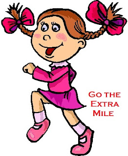 Meaning and sentence of the idiom ' Go the extra mile'