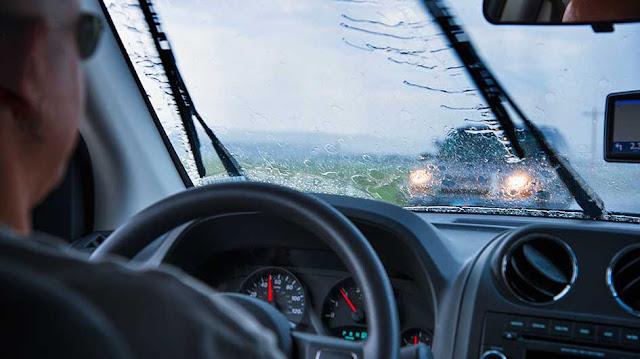 Comment conduire sous la pluie