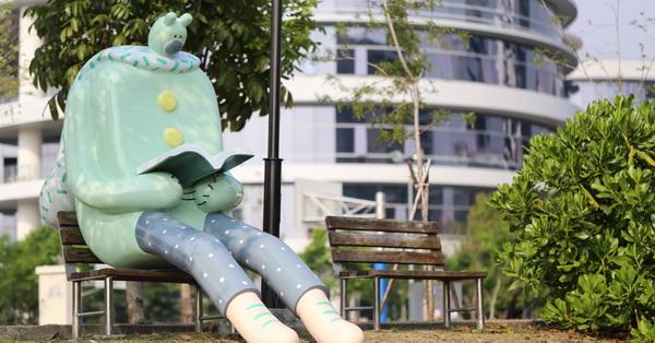 《台中.大里》東湖公園|閱讀熊超人|午睡熊超人|鳥人國度|光影巨人|青年公園沙坑