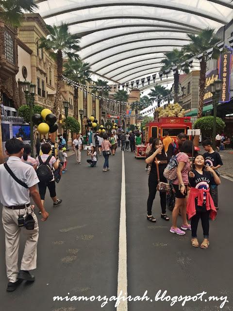singapore, budget trip, backpackers to singapore, how to go to orchard road from woodland, mrt, lapangan terbang senai, airport senai to jb sentral, kastam jb, hotel yang dekat dengan kastam jb, singapore trip, lush singapore, magnum cookies and cream, dari jb ke singapore, macam mana nak ke singapore dengan menaiki pengangkutan awam dari jb, hotel dekat dengan ciq, dari ciq ke singapore, uss singapore, harga tiket uss, macam nak ke uss,