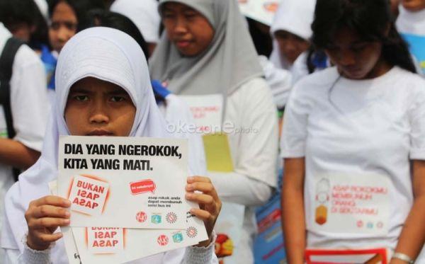 Merokok Sembarangan di Surabaya, Bisa Dihukum!