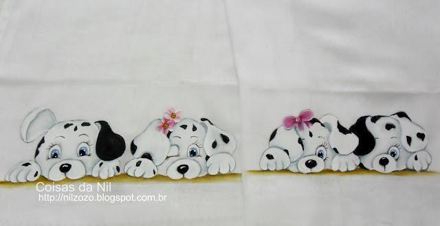 fralda pintada com cachorrinhos dalmatas