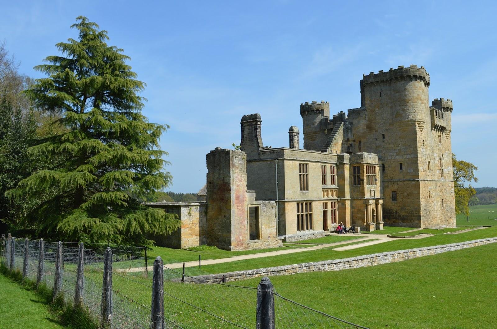 Belsay Hall & Castle - A Springtime Garden Walk