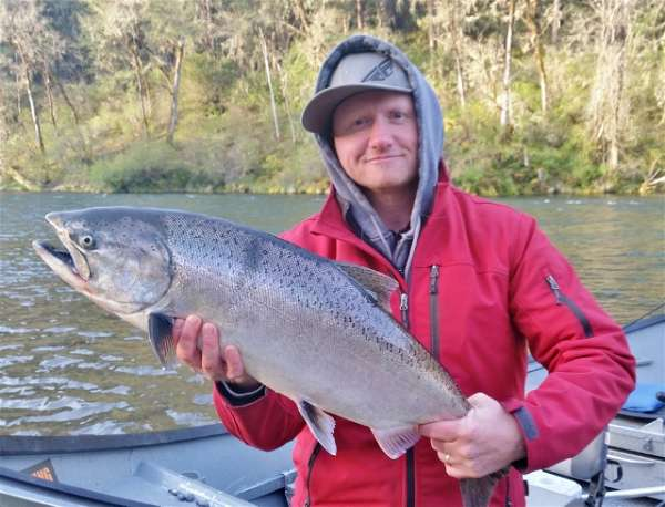 Upper-Rogue-river-spring-salmon-fishing