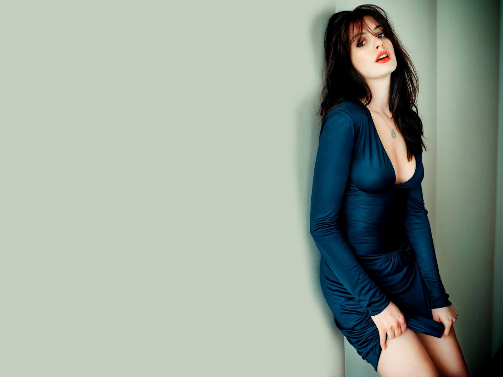 Anne hathaway high resolution wallpapers