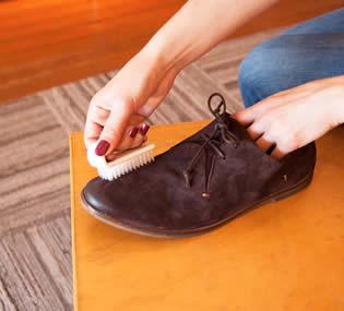 como limpiar zapatos de ante
