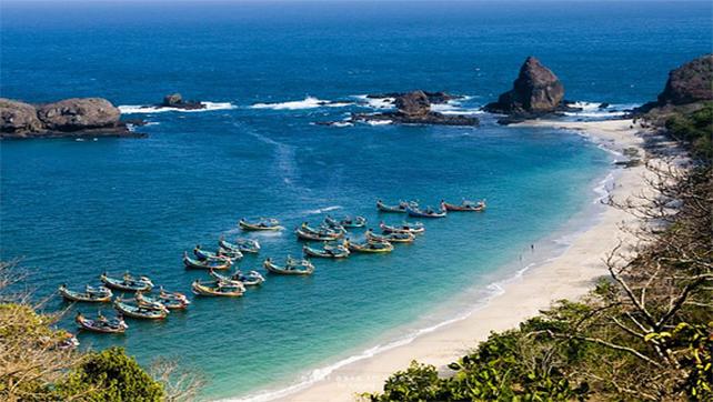 Pantai Papuma Jember - bromotravelguide