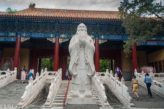 Templo de Confucio en Pekin. Primer día en China