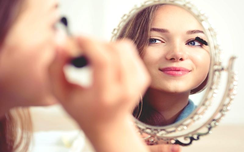 Pratik Bir Göz Makyajı Nasıl Yapılır?