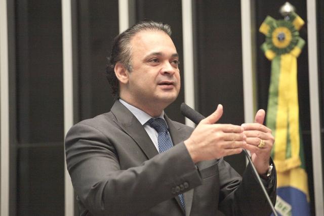 Deputado cobra mais rigor do Brasil no combate à perseguição religiosa
