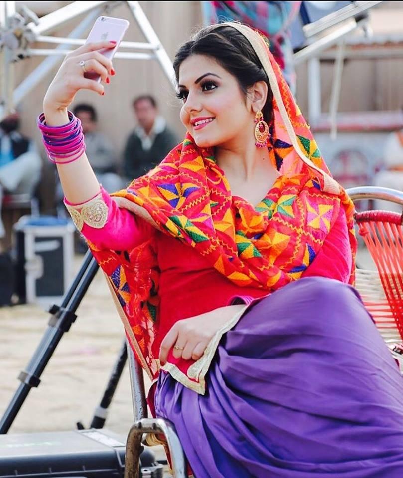 Itsworldbook Real Punjabi Beautiful Girls Cute Photos-7428