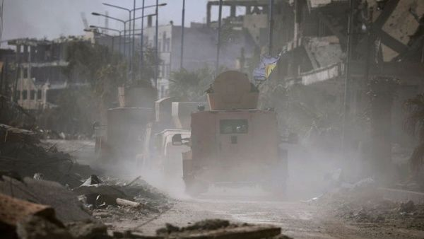 Hallan armas estadounidenses en arsenal de Daesh en Siria
