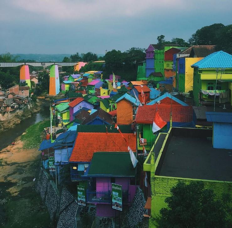 Kampung Warna Warni Tak Hanya di Brazil, Kampung Jodipan Kota Malang Kini Menjadi Icon Wisata yang Unik