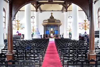 http://www.teluklove.com/2017/04/pesona-keindahan-wisata-gereja-sion.html