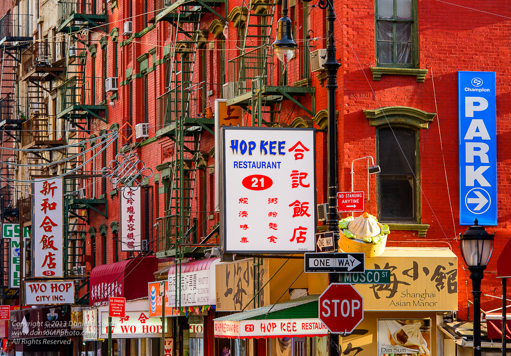 a photo of chinatown new york