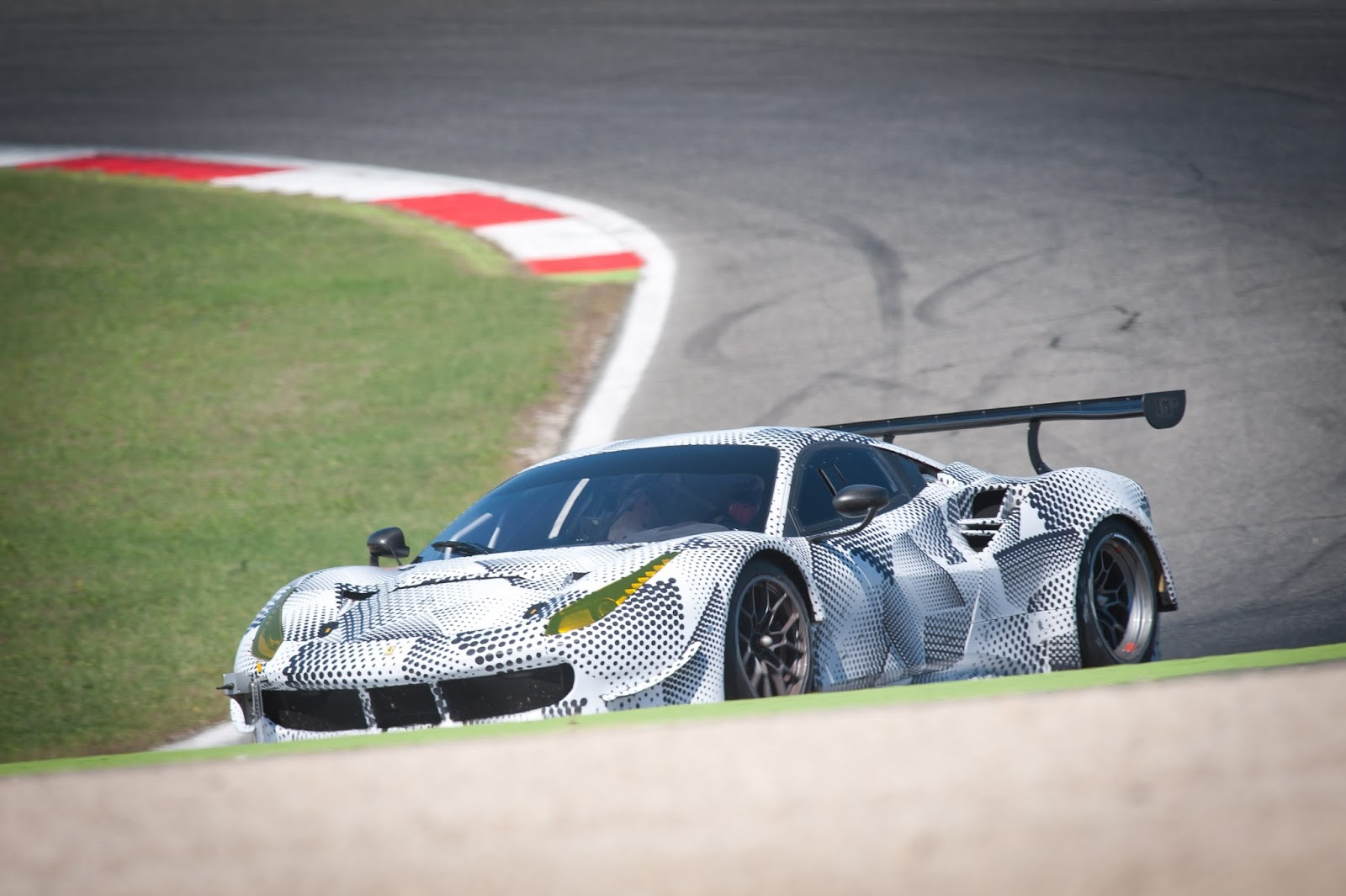 axis of oversteer this is the ferrari 488 gte that will fight ford gt at le mans. Black Bedroom Furniture Sets. Home Design Ideas