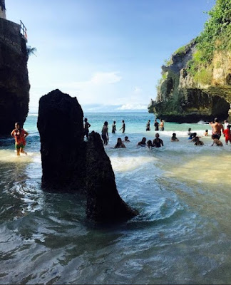 Suasana di Pantai Suluban