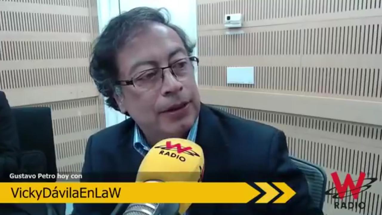 Rectificación de Gustavo Petro sobre lo que dijo de Álvaro Uribe en La W