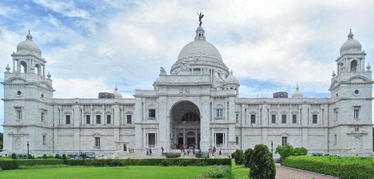 Victoria_Memorial_Kolkata_panorama_tourism