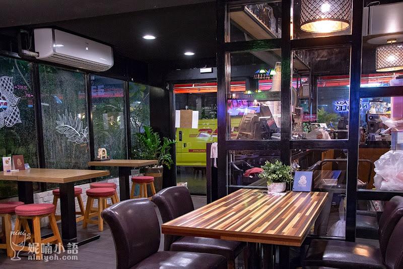 【台北大安區】阿寒泰泰式船麵專賣店。 遠企巷弄泰式麵食的專家