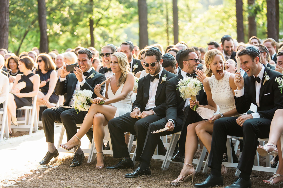 6 Tips To Make Sure Guests at Large Weddings Feel Special