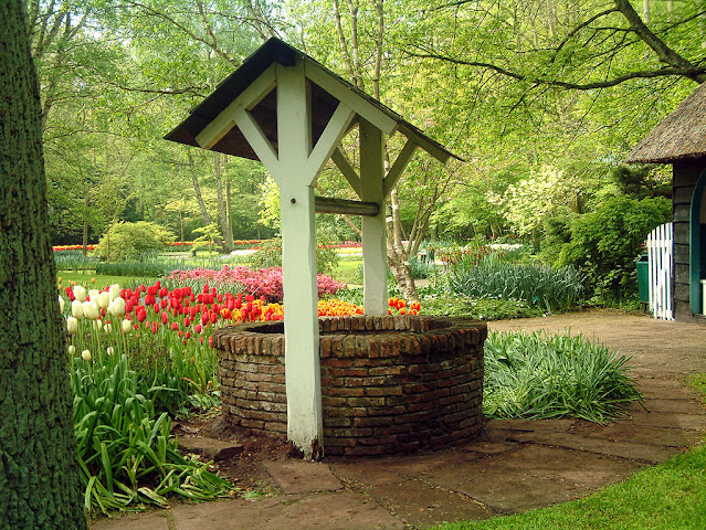 Pozo en los Jardines de Keukenhof