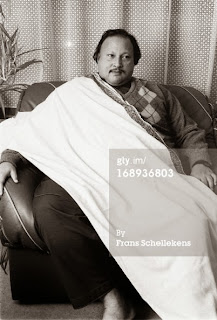 Zindagi Chaar Din Ki Mohlat Hai Rare Live Nusrat Fateh Ali Khan