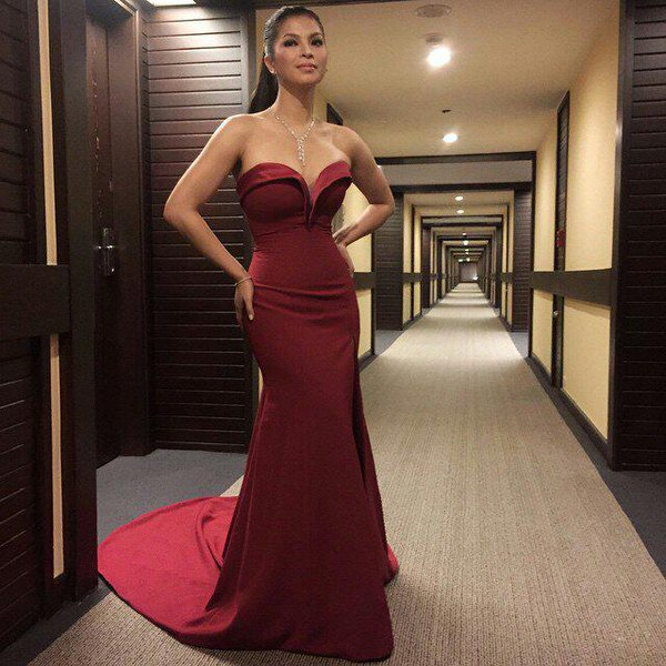 MUST SEE: 12 Celebrities Who Wore The Best Red Gown In The Showbiz Industry