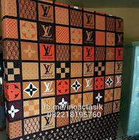 Kasur inoac motif kotak-kotak cokelat inoactasik