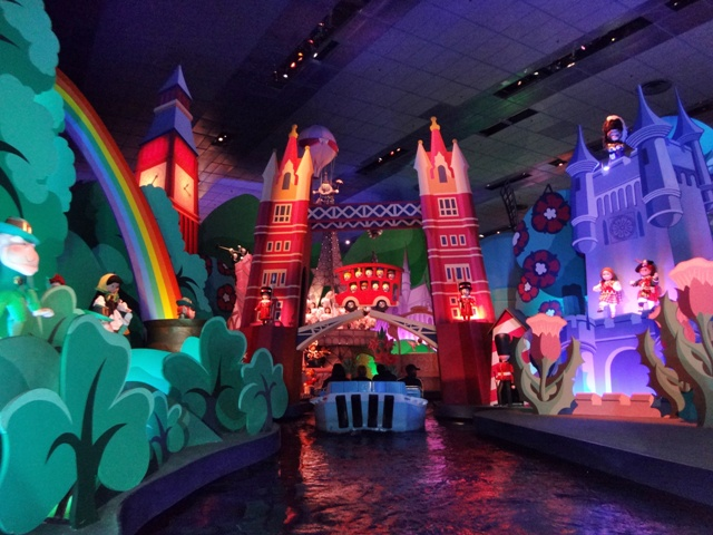 Its Small World, una de mis atracciones favoritas en Disneyland París