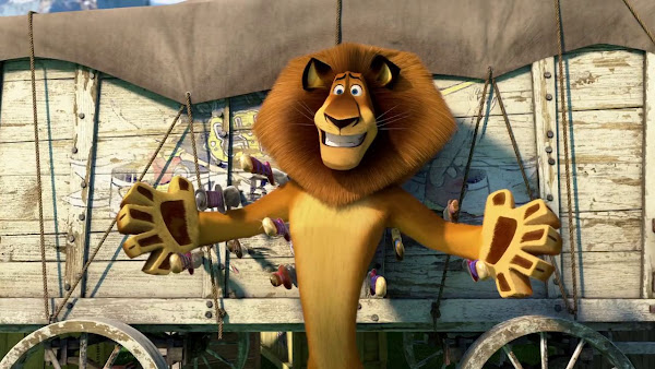 Screen Shot Of Hollywood Movie Madagascar 3 (2012) In Hindi English Full Movie Free Download And Watch Online at worldfree4u.com