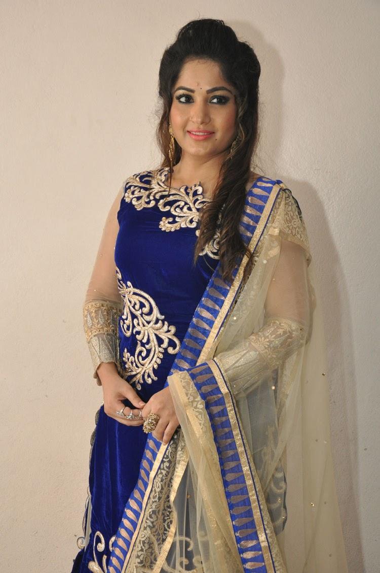 madhavi latha new dazling pics-HQ-Photo-11