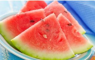8 benefícios do suco de melancia para a saúde