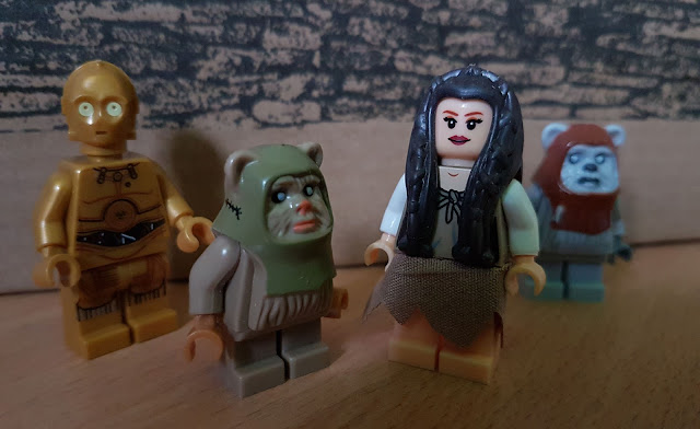 Princess Leia and ewoks Star Wars