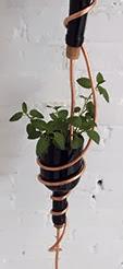 http://1000manualidades.com/como-hacer-jardines-verticales/